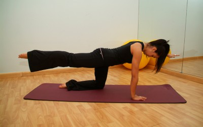 Postnatal pilates exercise for Diastasis Recti (tummy separation)